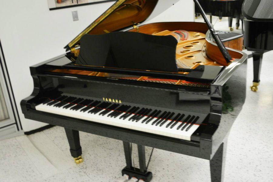 Yamaha c7 concert grand piano ebay for Yamaha mini grand piano price